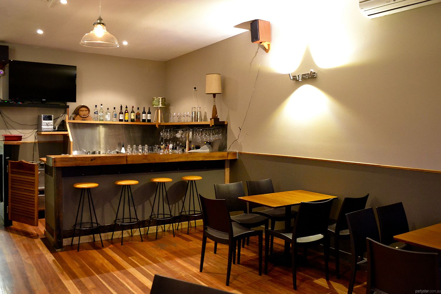 The Thornbury Local, Thornbury, VIC. Function Room hire photo #1
