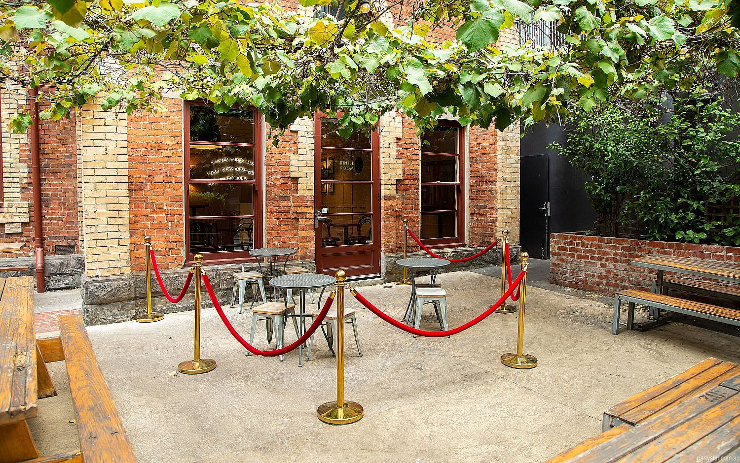 Pepe's Italian, Melbourne, VIC. Function Room hire photo #5
