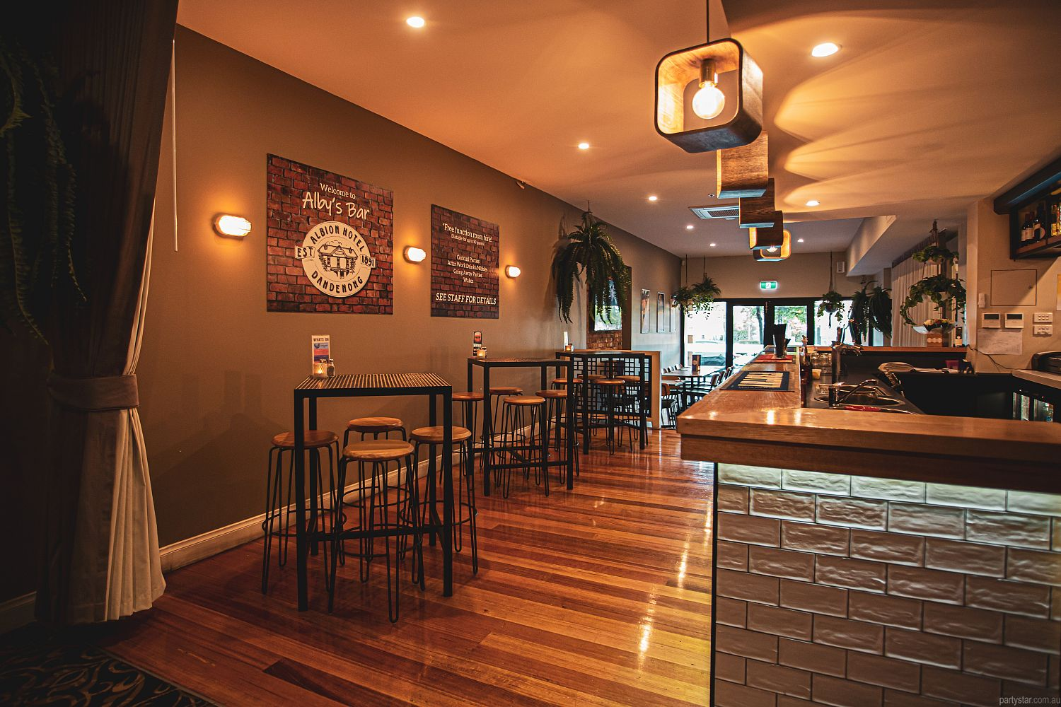 Albion Hotel Dandenong, Dandenong, VIC. Function Room hire photo #2