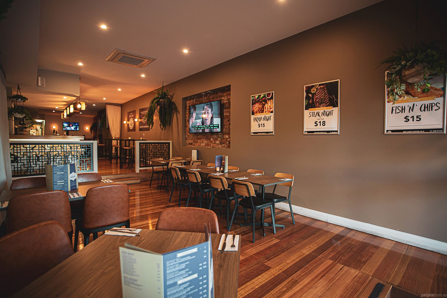 Albion Hotel Dandenong, Dandenong, VIC. Function Room hire photo #3