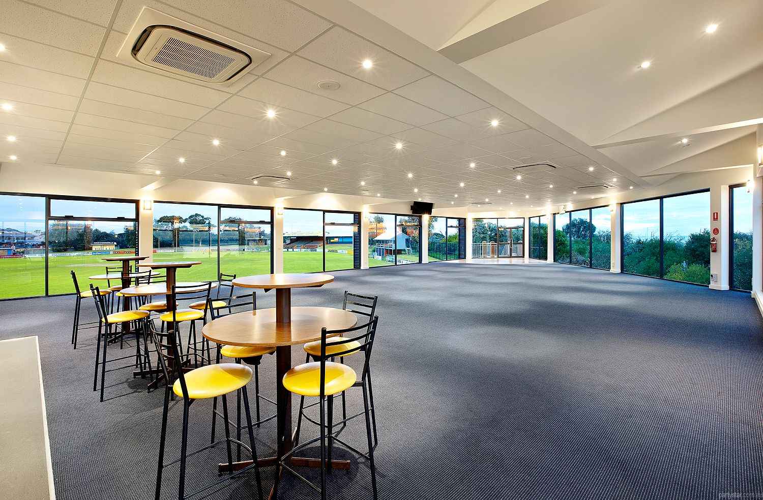 Sandy by the Bay, Sandringham, VIC. Function Room hire photo #2