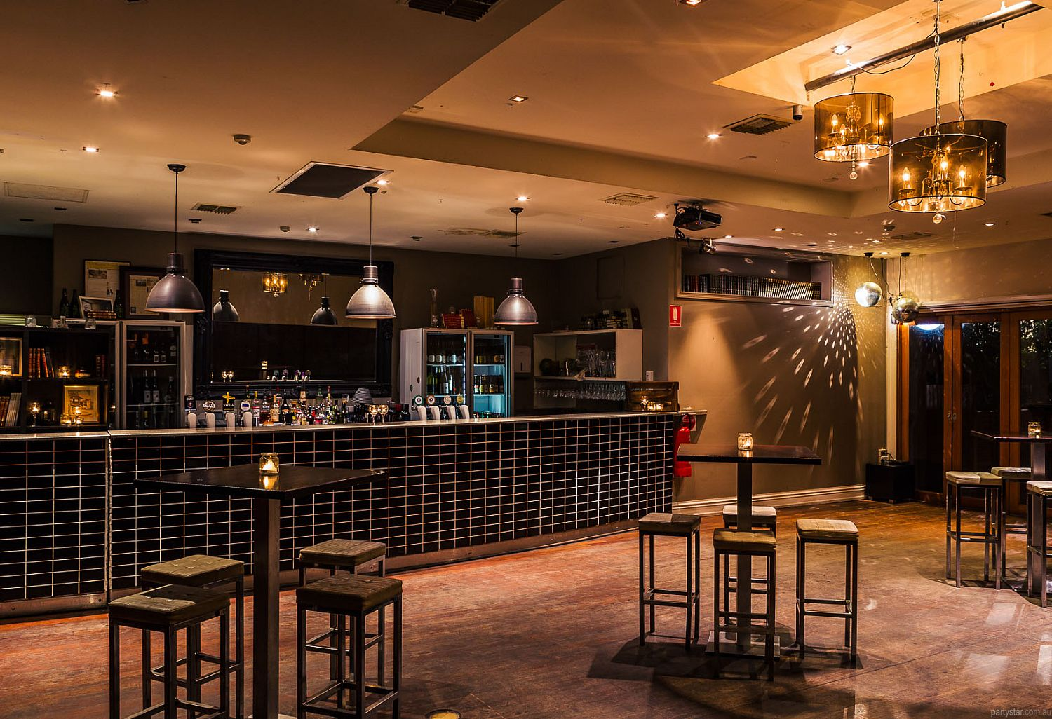 The Kings Head Hotel, Adelaide, SA. Function Room hire photo #1