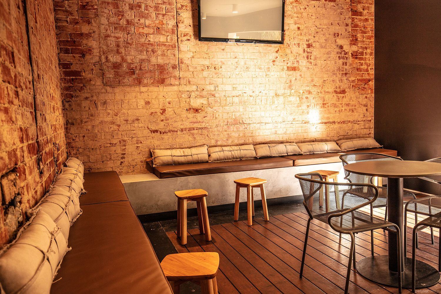 The Strathmore Hotel, Adelaide, SA. Function Room hire photo #2