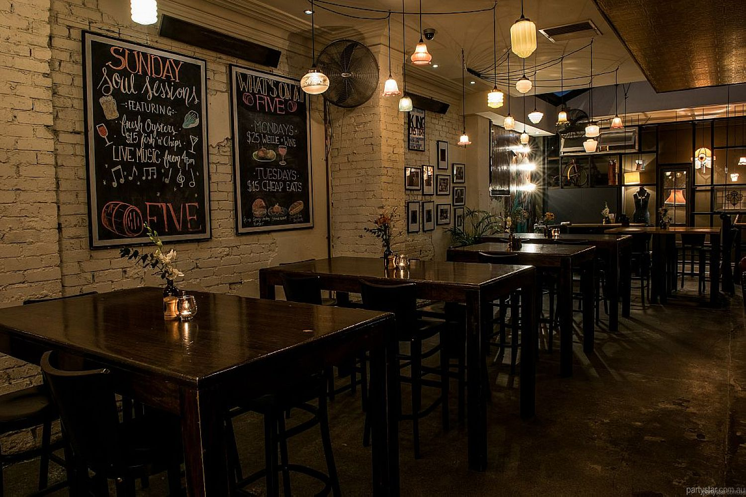 Five Bar, Mount Lawley, WA. Function Room hire photo #2