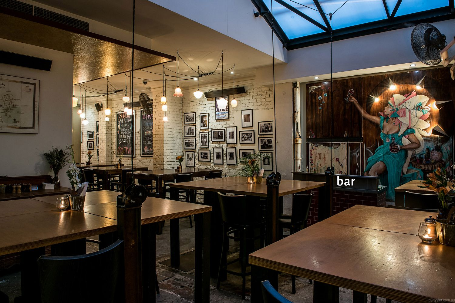 Five Bar, Mount Lawley, WA. Function Room hire photo #4