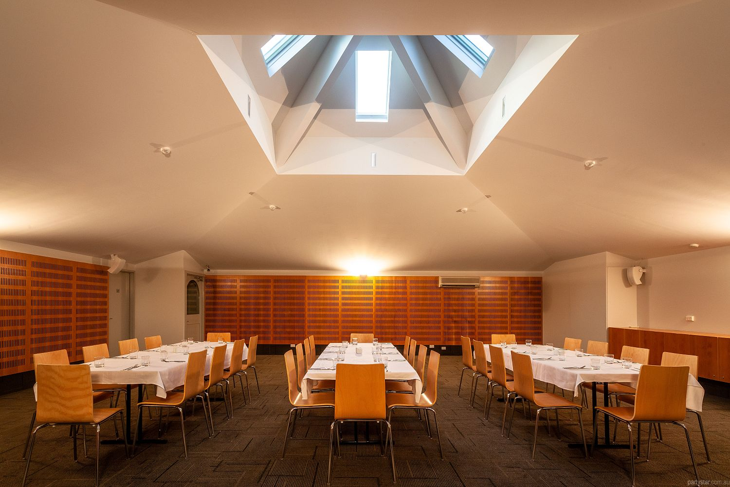 Mornington Inn, Mornington, TAS. Function Room hire photo #3