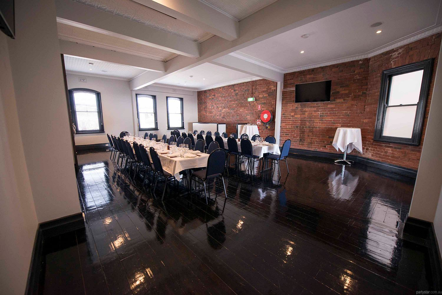 Wayside Inn, South Melbourne, VIC. Function Room hire photo #3