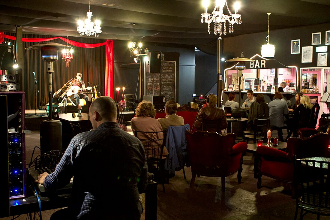 The Chandelier Room, Moorabbin, Melbourne ~ Review and Details